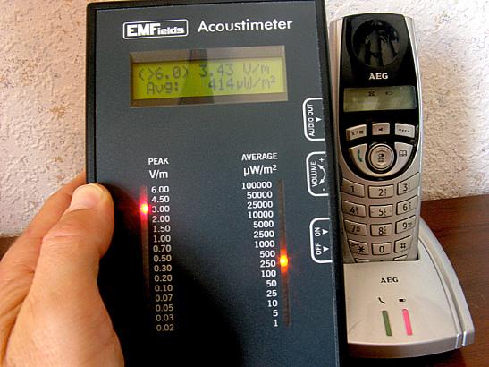 Mesure de champs - Détecteur acoustique hautes fréquences Acoustimeter EMFields MW-AM 10
